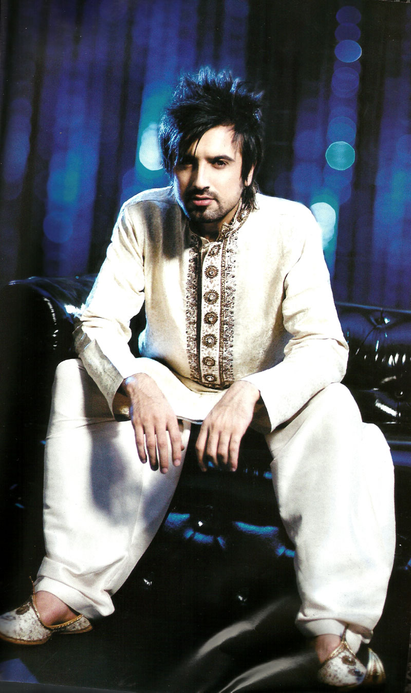 men embroidered kurtaa shalwar trend,kurta shalwar collection